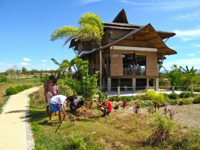Manila s quest to build a better informal settlement for Low cost farm house